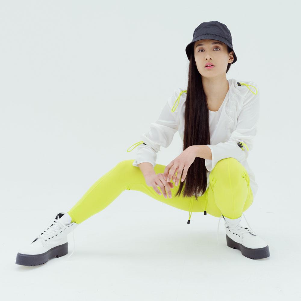 aurora-de-matteis-neon-sustainable-lycra-leggings